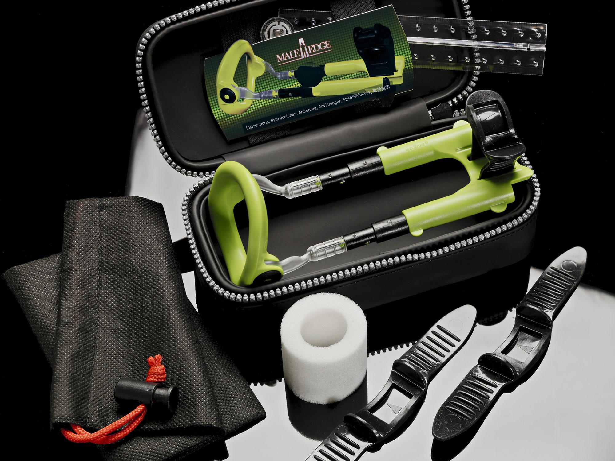 Экстендер Male Edge EXTRA поставляется в комплекте с двумя запасными ремешками, одной смягчающей прокладкой и дорожной сумкой
